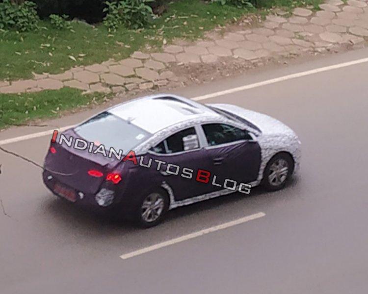 2019-hyundai-elantra-facelift-rear-three-quarters-3146.jpg