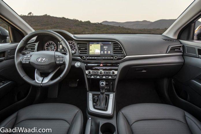 2019-Hyundai-Elantra-Interior-1-696x464.jpg