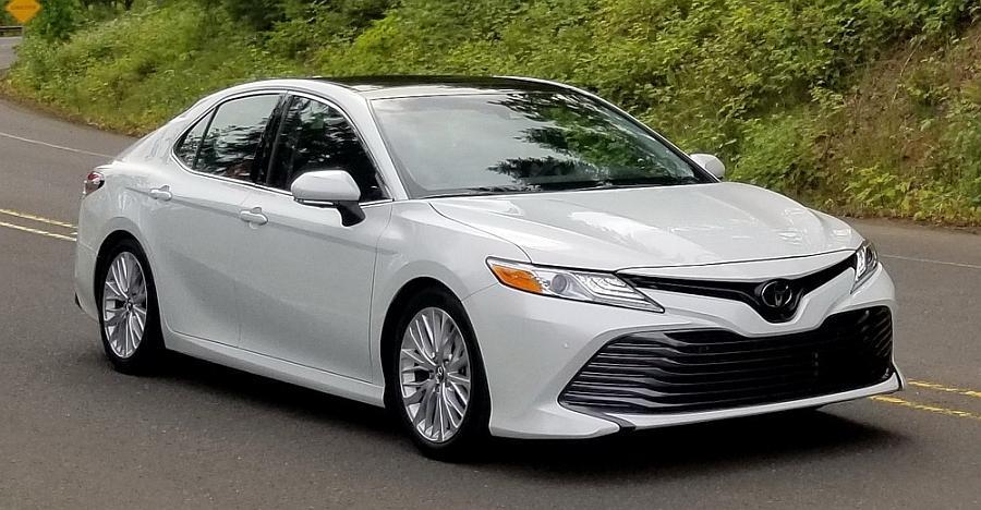 2019-Toyota-Camry-Hybrid.jpg
