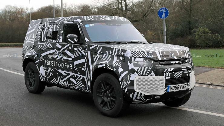 2020-Land-Rover-Defender-Spyshot-1.jpg