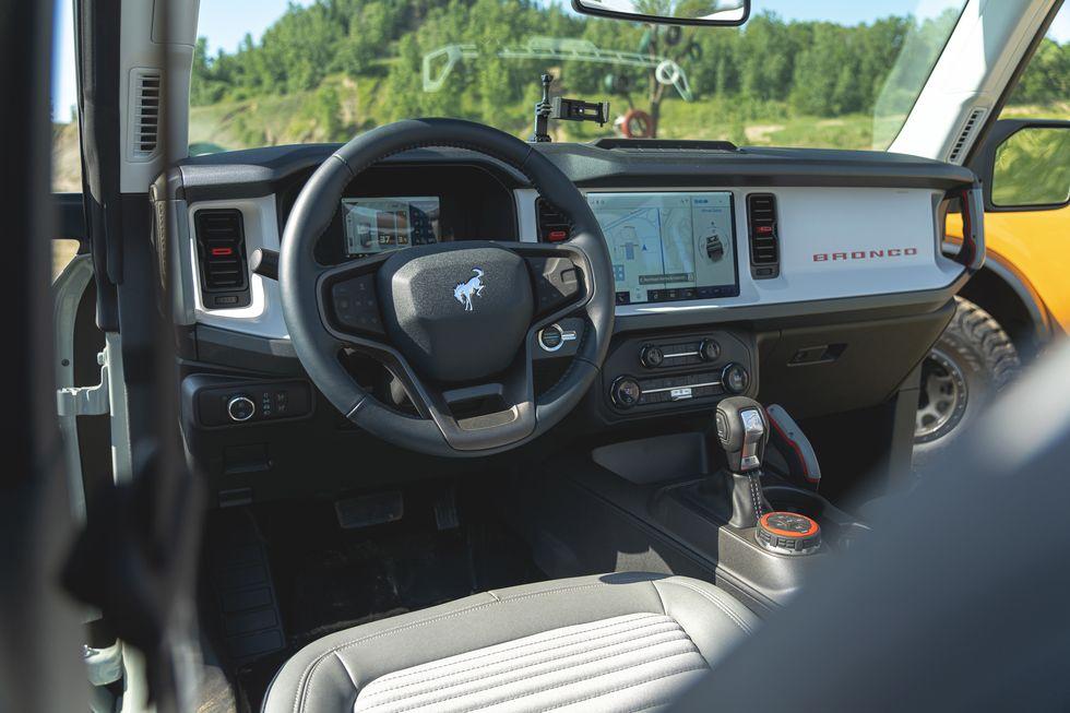 2021-ford-bronco-4-door-104-1594323463.jpg