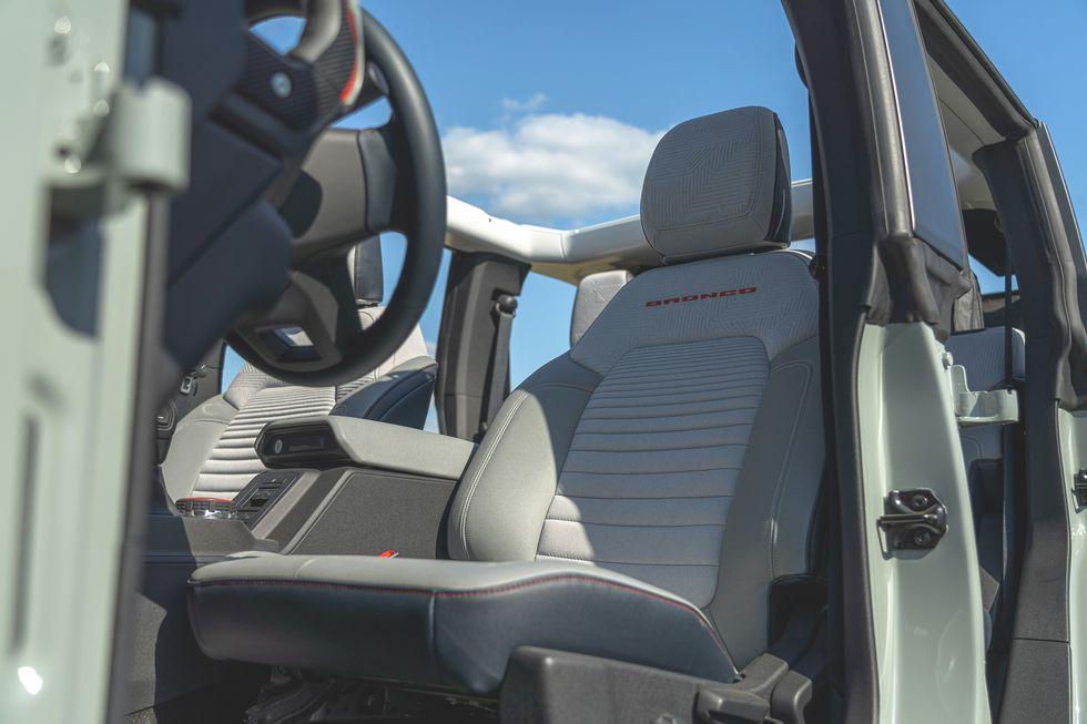 2021-ford-bronco-4-door-115-1594323468.jpg