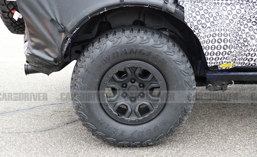 2021-ford-bronco-off-road-03-1580162126.jpg?crop=1.00xw:0.918xh;0,0.jpg