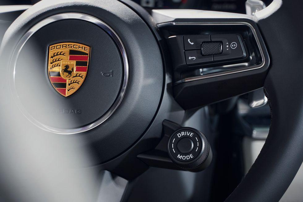 2021-porsche-panamera-turbo-s-e-hybrid-executive-105-1603140520.jpg