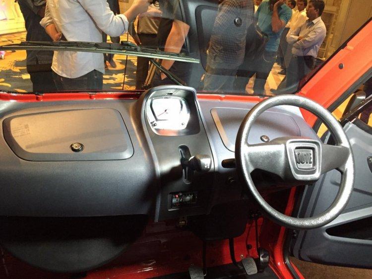 Bajaj-Qute-dashboard-steering-during-unveil-in-India.jpg