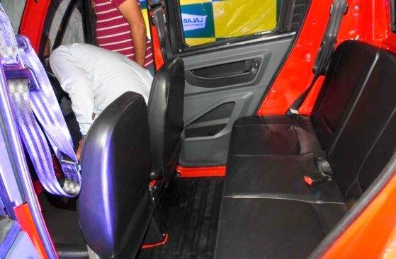 Bajaj-Qute-rear-seats-legroom-during-unveil-in-India.jpg.jpg