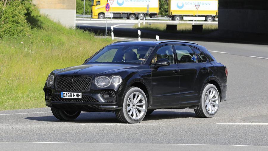 Bentley Bentayga facelift 2020-12.jpg