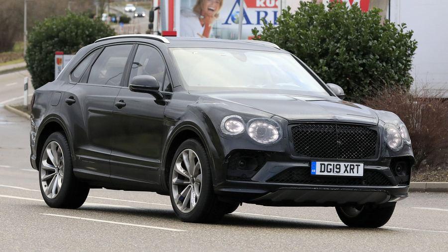 Bentley Bentayga facelift 2020-2.jpg