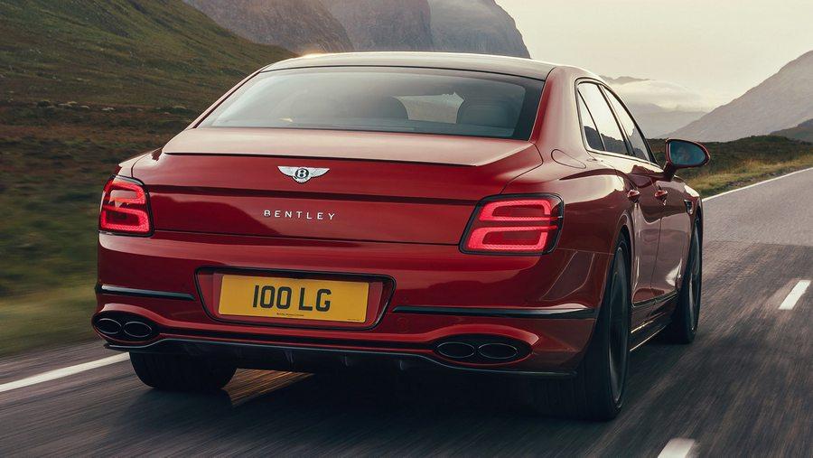 Bentley Flying Spur V8 2020-2.jpg