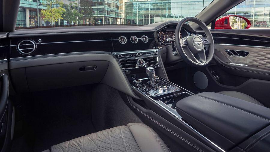 Bentley Flying Spur V8 2020-5.jpg