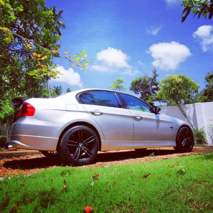 BMW-325i_2.jpg