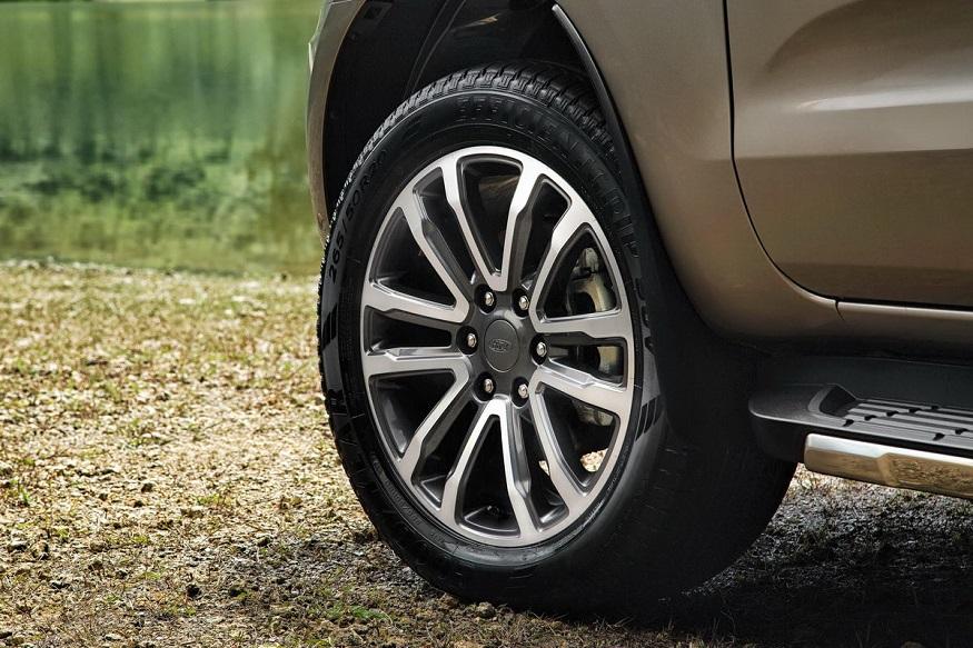 Facelifted-Ford-Everest-Facelifted-Ford-Endeavour-wheel.jpg.38382777e8837717e2eb9d890ffe66e3.jpg