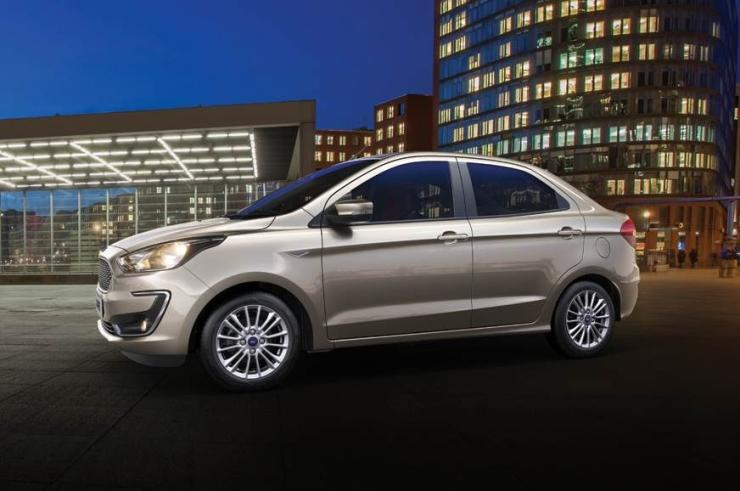 Ford-Figo-Aspire-Facelift-Studio-Shot-3.jpg