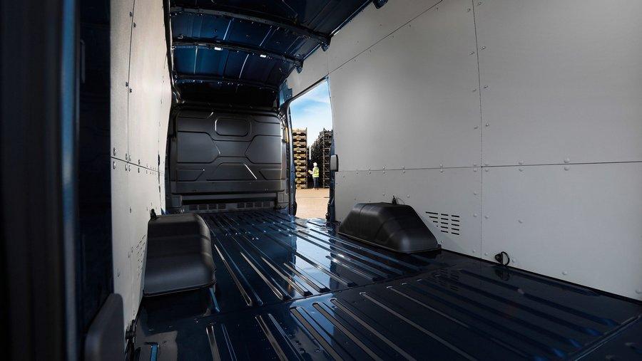 Ford Transit 5.0-tonne-8.jpg