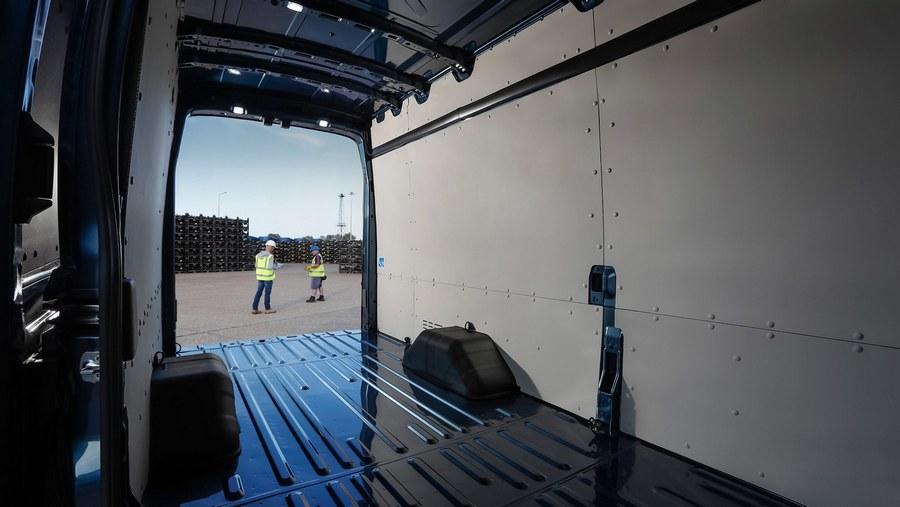 Ford Transit 5.0-tonne-9.jpg