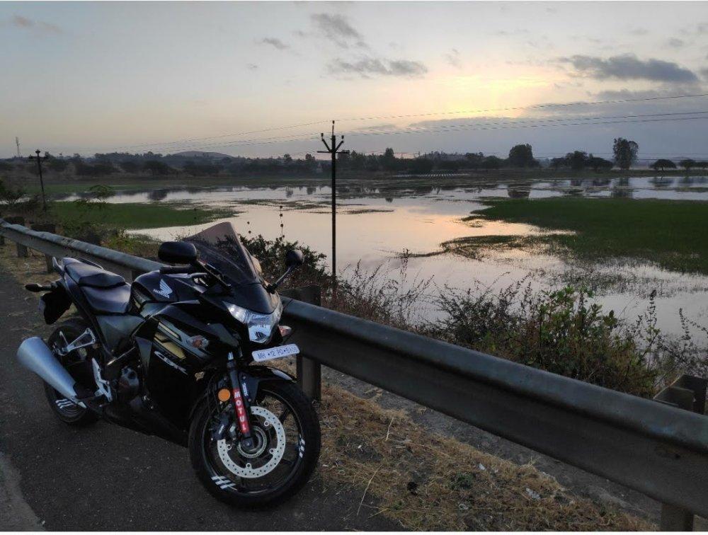 Honda CBR250R.jpg
