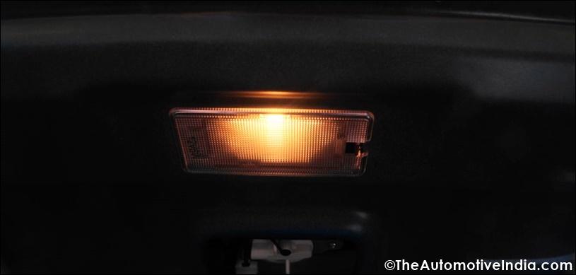 Hyundai-Elantra-Boot-Illuminated.jpg