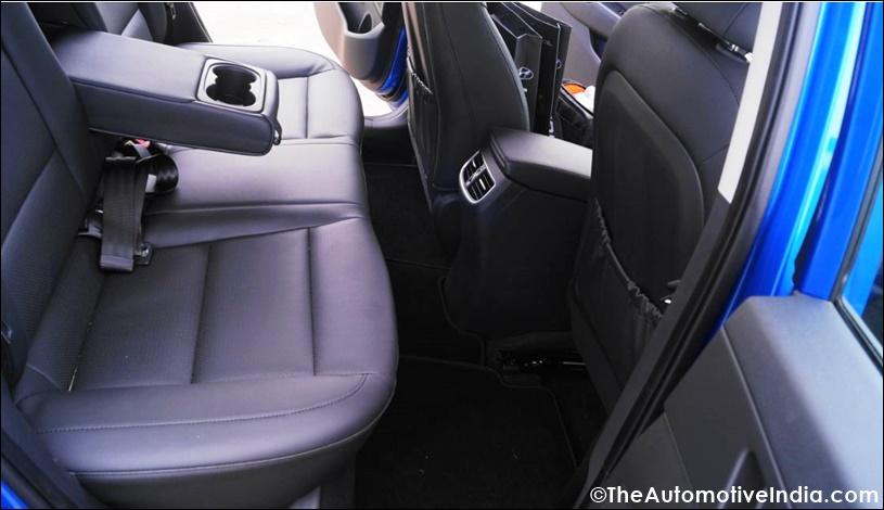 Hyundai-Elantra-Rear-Seat-Legroom.jpg