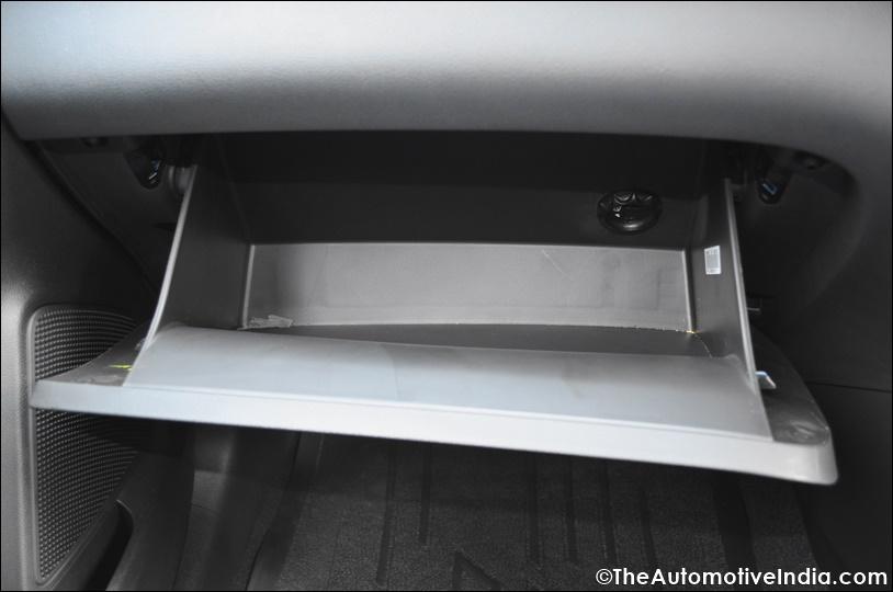 Hyundai-Elite-i20-Active-Cooled-Glovebox.jpg