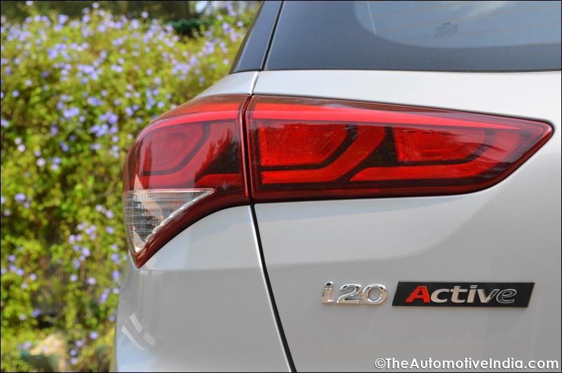Hyundai-i20-Active-Taillamps.jpg