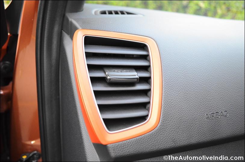 Hyundai-i20-Active-Tangerine-Orange.jpg