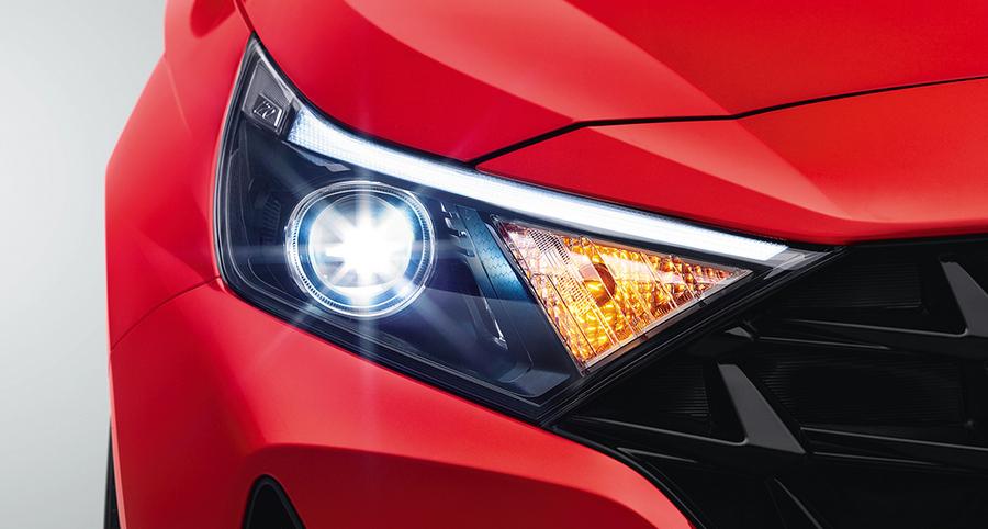 Hyundai-i20-premium-hatchback-Exterior-Mid-Front-2-revised.jpg