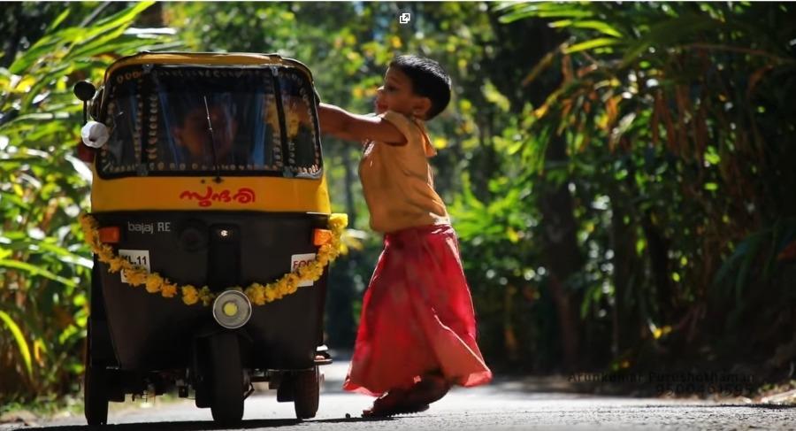 kerala-man-kids-auto-rickshaw-1.jpg