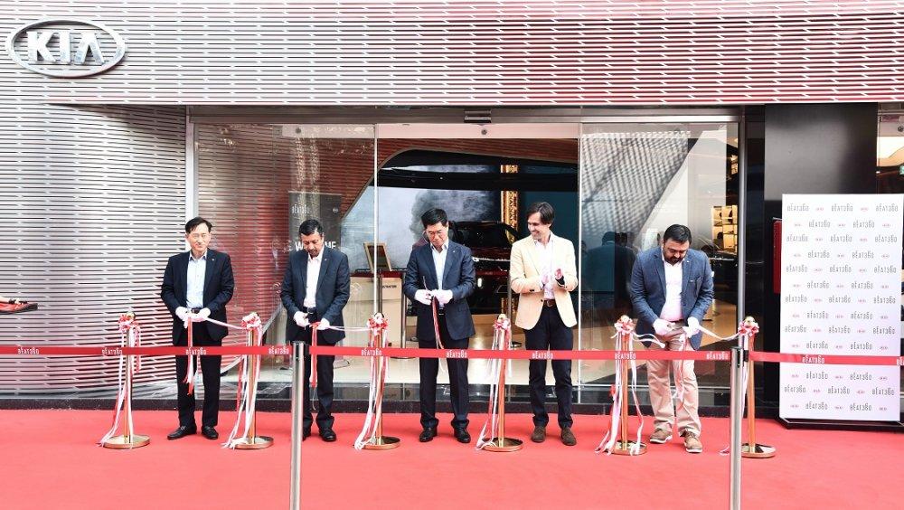 Kia Motors India inaugurates BEAT360, a first-of-its-kind brand experience center in Cyberhub,...JPG