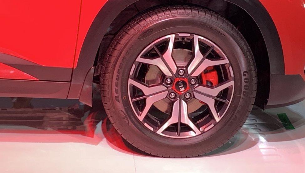 kia-seltos-wheel-b7c0.jpg