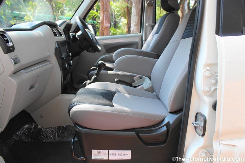 Mahindra-Scorpio-Passenger-Seat.jpg