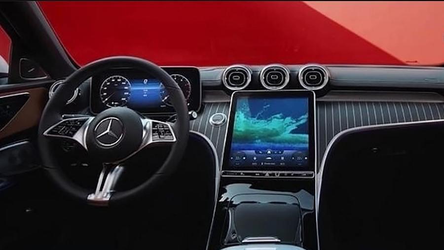 Mercedes C-Class leak online interior.jpg