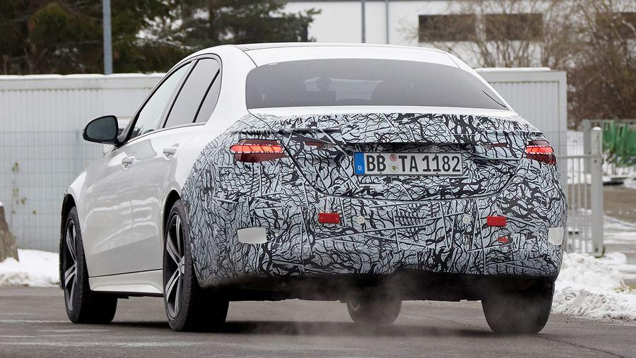 Mercedes C-Class spyshots-6.jpg