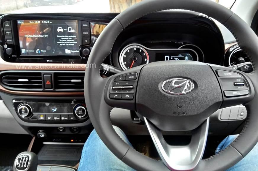 ?n=http%3a%2f%2fcdni.autocarindia.com%2fExtraImages%2f20200120115857_Hyundai-Aura-instrument-and.jpg