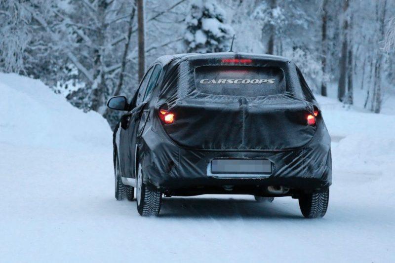 New-Hyundai-i10-interior-spied-5-1068x712.jpeg