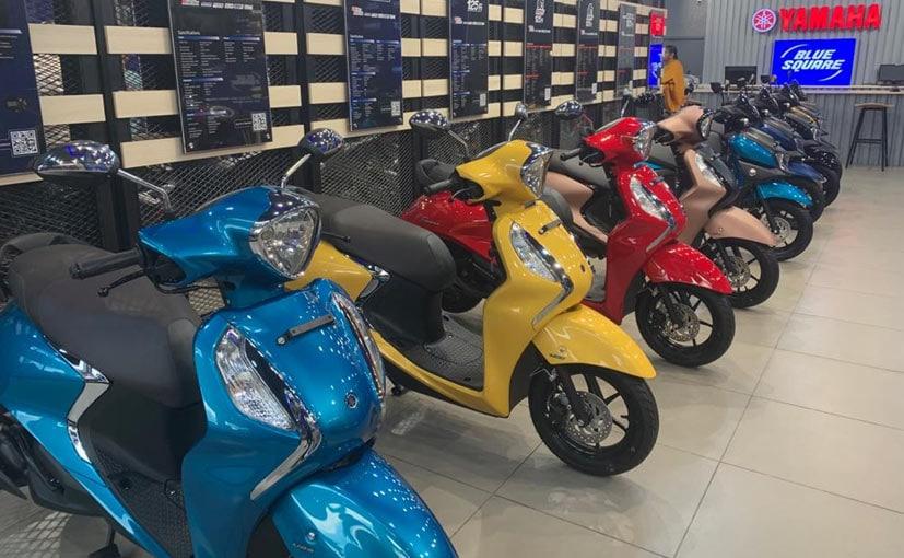 p671hlt4_yamaha-blue-square-showroom-chennai_625x300_08_March_20.jpg