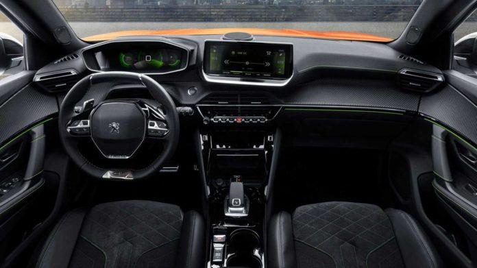 Peugeot-2008-SUV-unvield-3-696x391.jpg