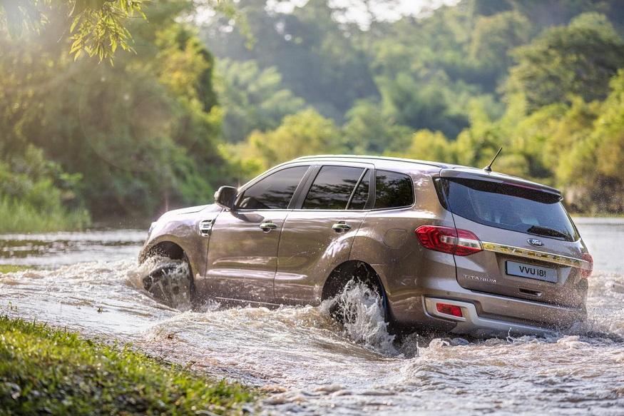 t-Facelifted-Ford-Endeavour-rear-three-quarters-off-roading.jpg.0a4856bc23b977395e22b02d26015928.jpg