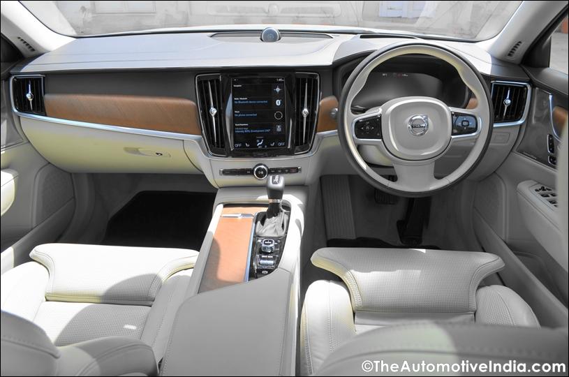 Volvo-S90-Dashboard.jpg
