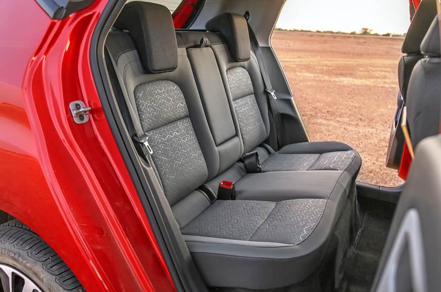 zer.ashx?n=http%3a%2f%2fcdni.autocarindia.com%2fGalleries%2f20191209093946_Tata-Altroz-rear-seat.jpg