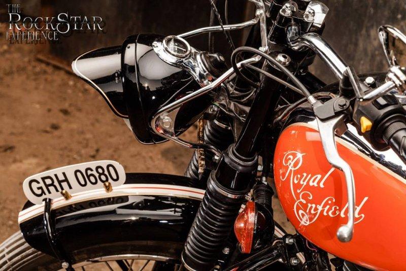 Old Delhi Motorcycles: Elegant 2-Wheeled Beauties   The