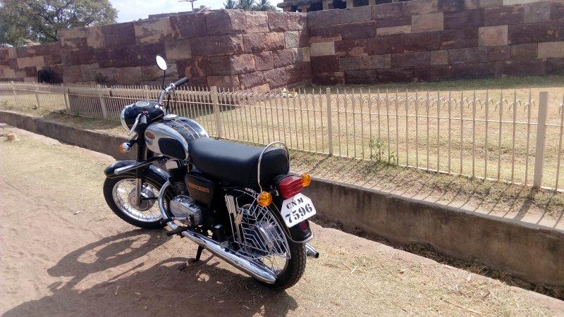 Restored: 1985 Yezdi D250 Classic | The Automotive India