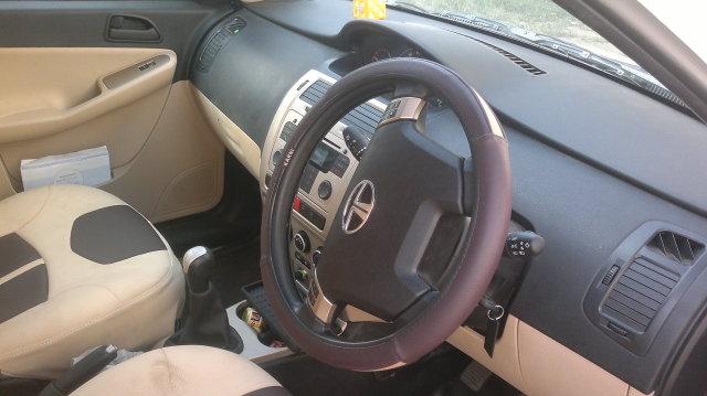 Happy Motoring with Vista (QJD) VX (ABS) Sedan Class