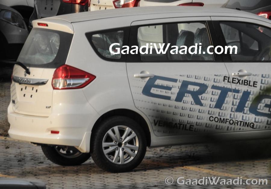 Maruti Suzuki Ertiga Facelift + AT Launched at 5.99 Lakhs